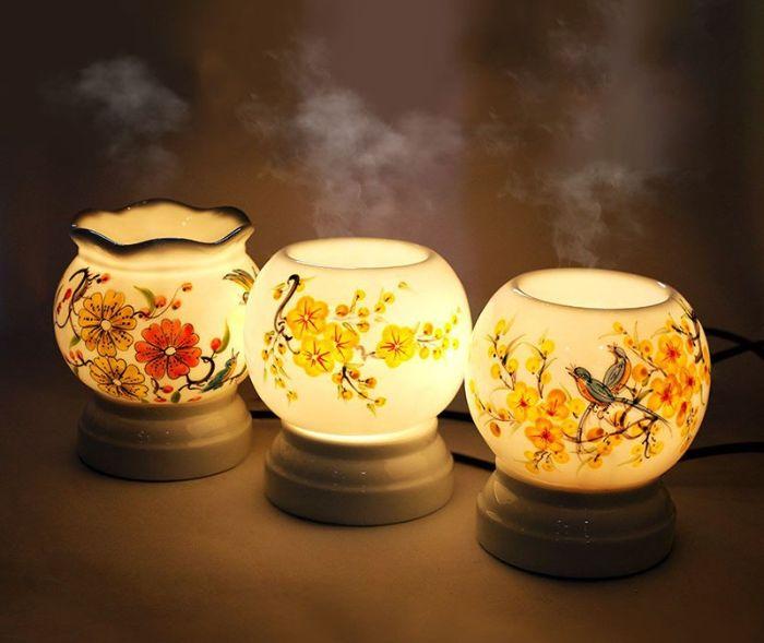 Đèn xông tinh dầu là một trong những món quà được nhiều người thích