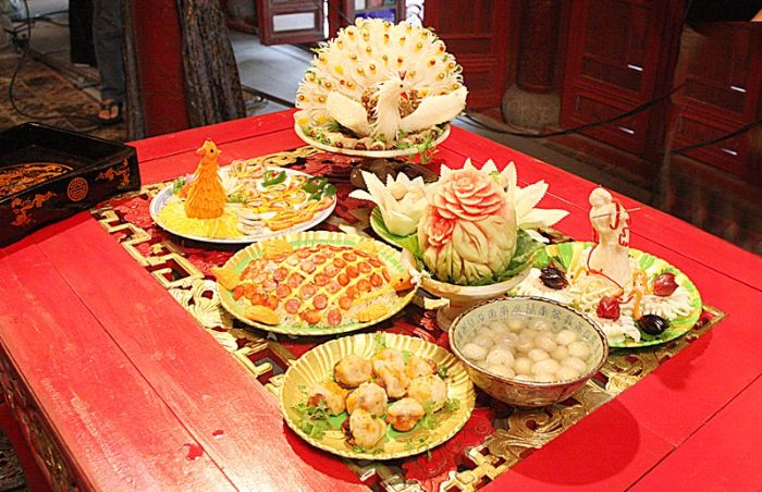 Bát trân là tên gọi chung của 8 món ăn quý hiếm dành cho giới quý tộc cung đình và các bậc vua chúa