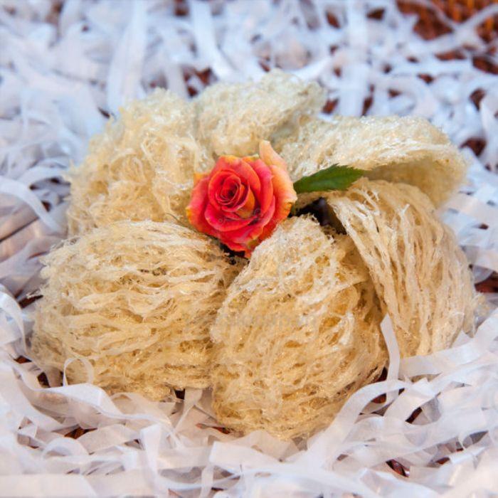 Yến sào là món ăn được chế biến từ tổ của con chim yến