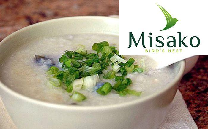 Món ăn này sở hữu hương vị thơm ngon, không quá ngọt mà hơi thanh thanh và dịu dịu