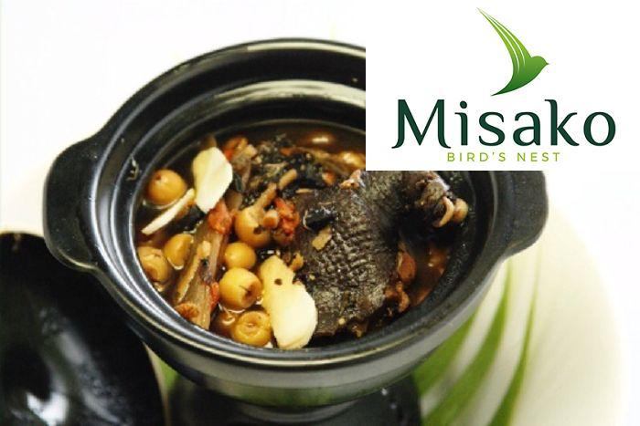 Gà ác hầm hạt sen và thuốc bắc là một trong các món ăn tốt cho bà bầu và thai nhi