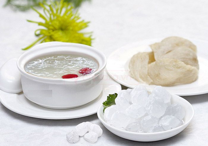 Tổ yến chưng đường phèn được đánh giá là một món ăn ngon, bổ dưỡng.